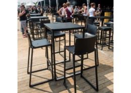 Mange debout design en acier noir plateau noir | BUDAPEST